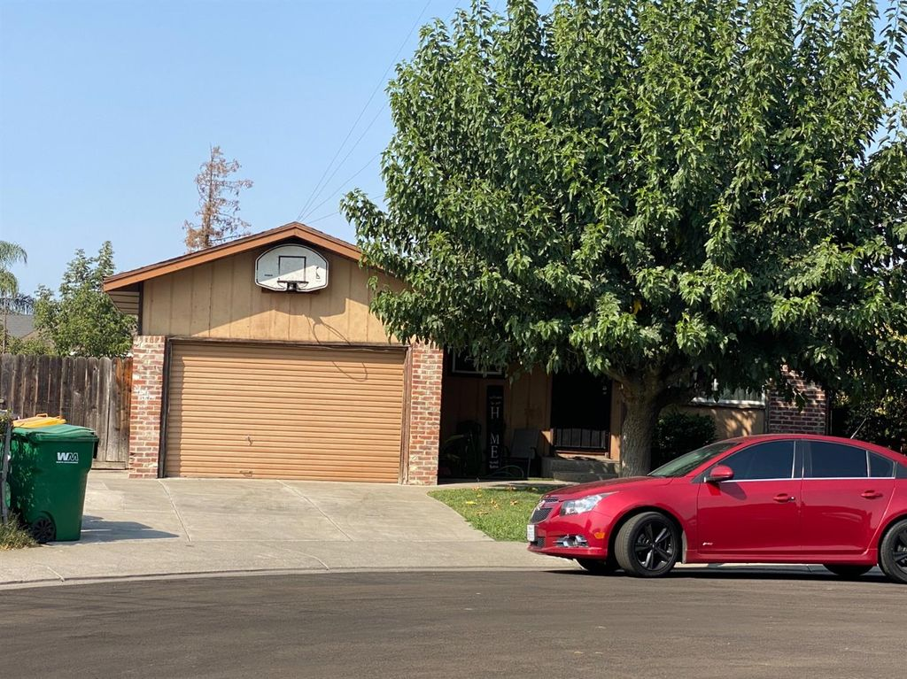 2607 Somerset Ct, Stockton, CA 95205