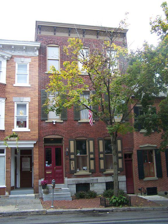 218 N 9th St, Allentown, PA 18102