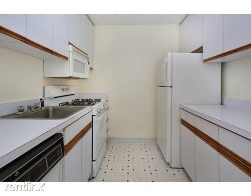 44 Washington St, Brookline, MA 02445
