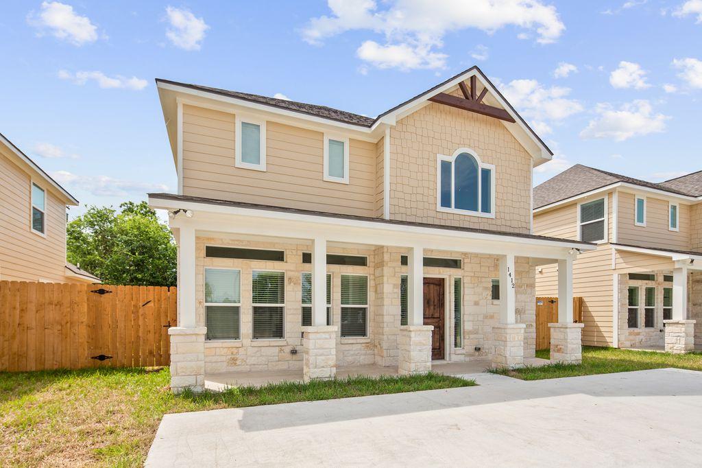 1412 Holleman Dr, College Station, TX 77840