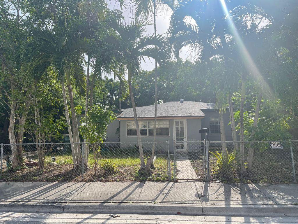 13845 NW 6th Ave, Miami, FL 33168