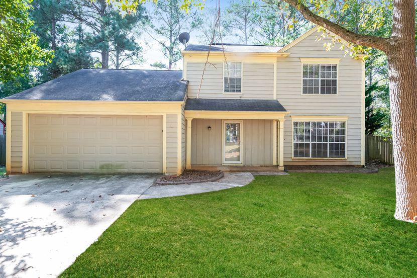 1341 Birdsong Ln, Hampton, GA 30228