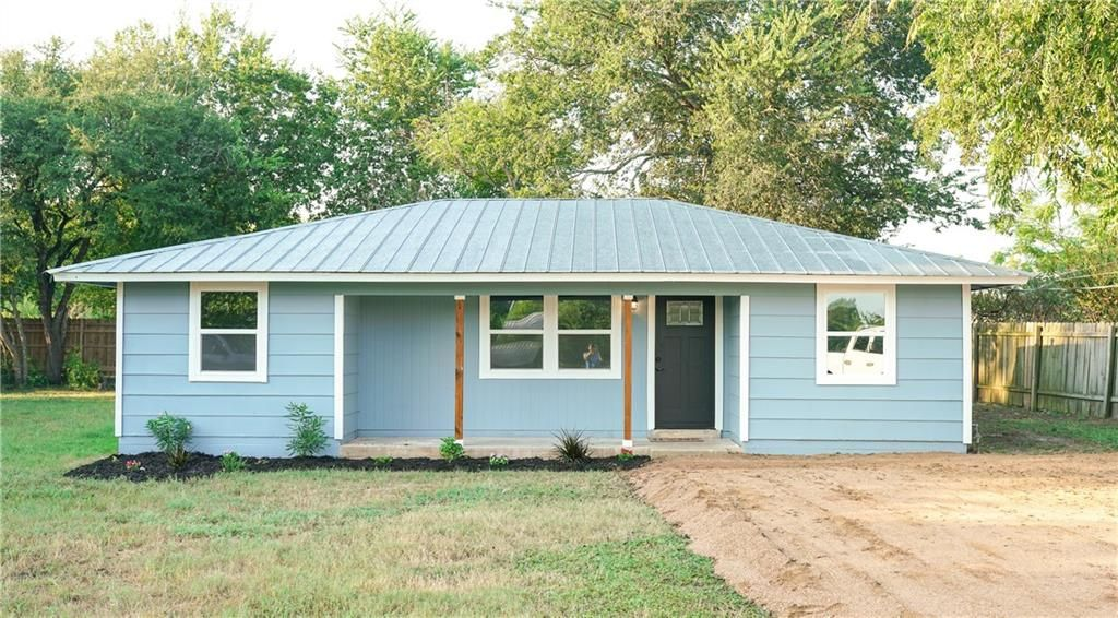803 Maple St, Bastrop, TX 78602