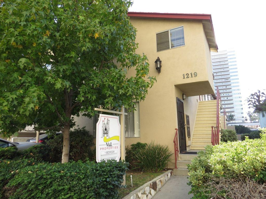 1219 Barry Ave #5, Los Angeles, CA 90025