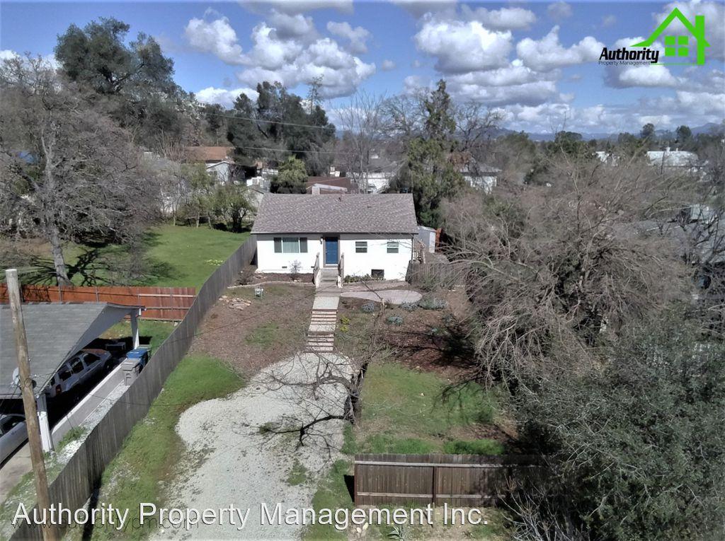 1840 Laurel Ave, Redding, CA 96001