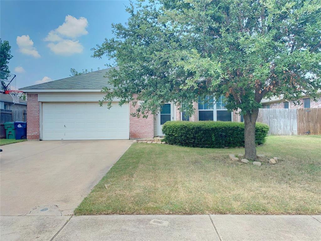 2413 Wildwood Ln, Denton, TX 76210