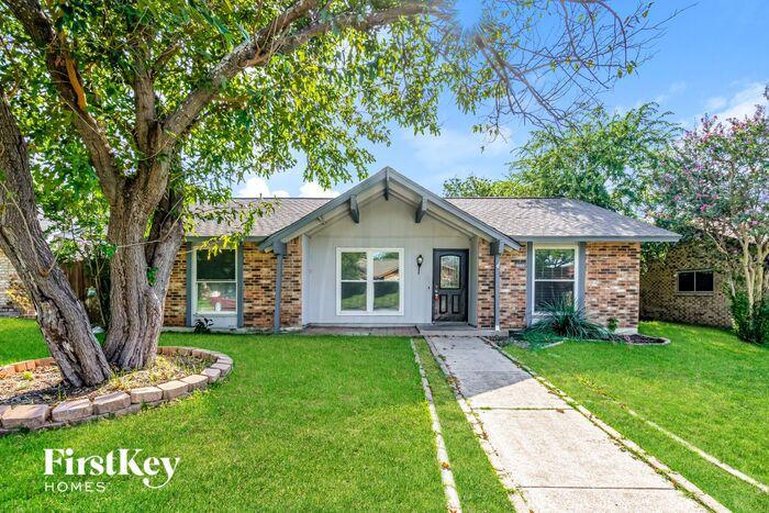 2030 Glencrest Ln, Garland, TX 75040
