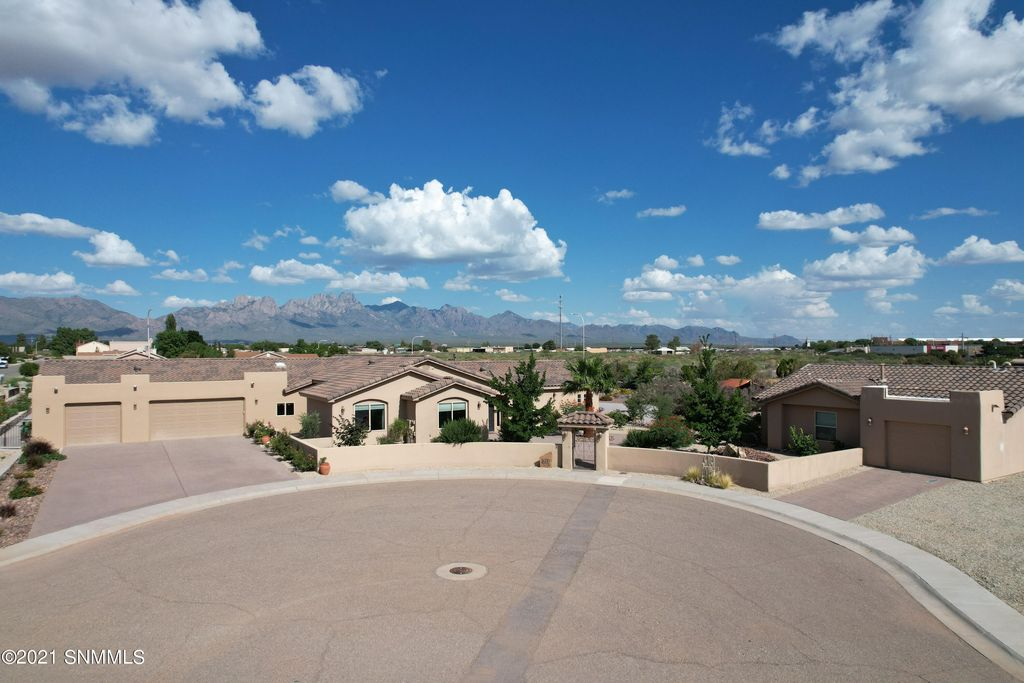 4600 Calle De Nubes, Las Cruces, NM 88012