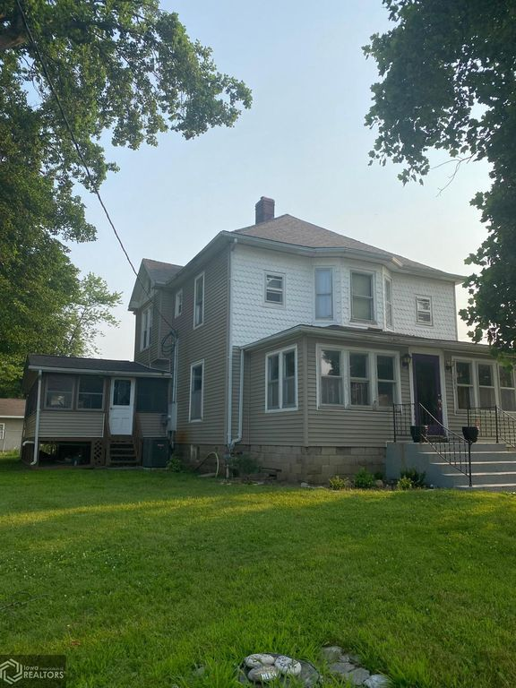 1695 Mulholland St, Nauvoo, IL 62354
