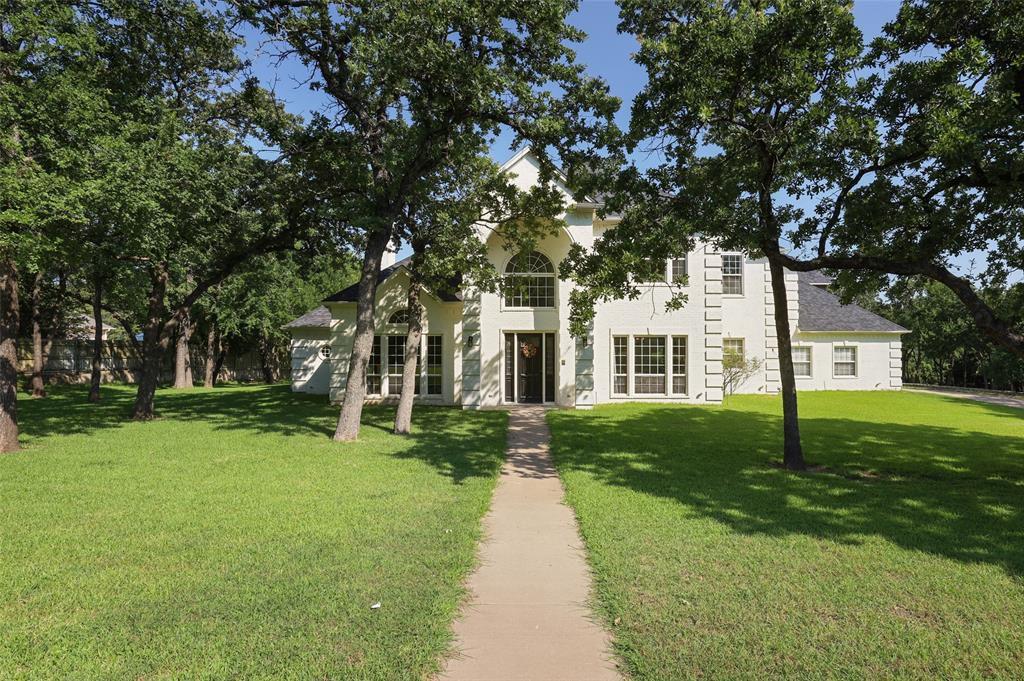 133 Westlake Woods Dr, Azle, TX 76020