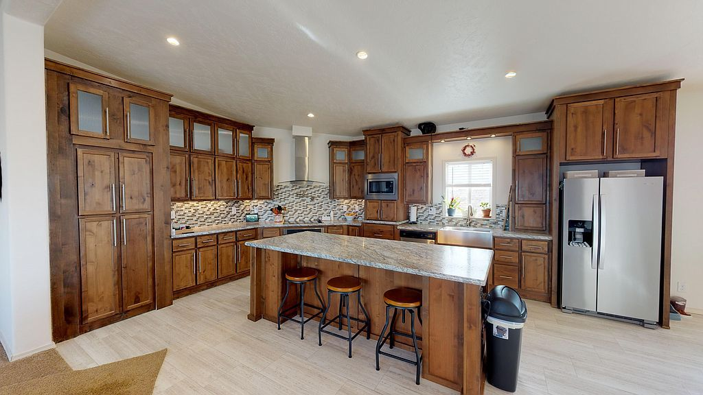 14 Winds View Dr, Rock Springs, WY 82901