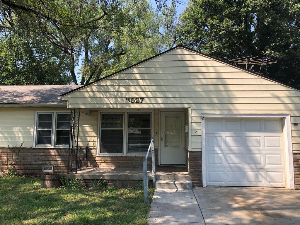 3527 S Handley St, Wichita, KS 67217