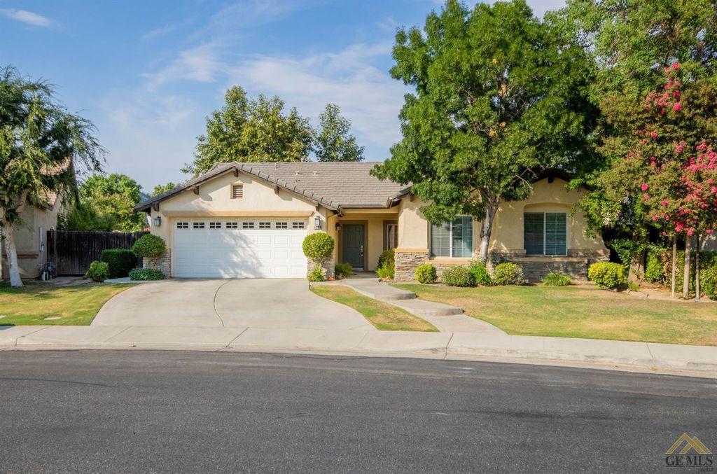 1306 Calaveras Park Dr, Bakersfield, CA 93311