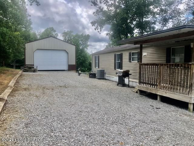 207 Hedge Iron Dr, Mammoth Cave, KY 42259