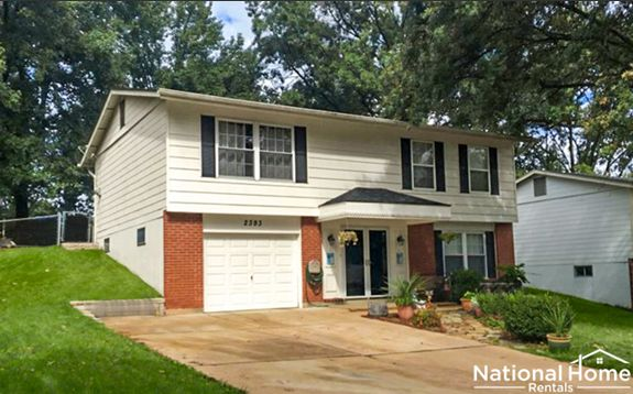 2393 Wesford Dr, Maryland Heights, MO 63043