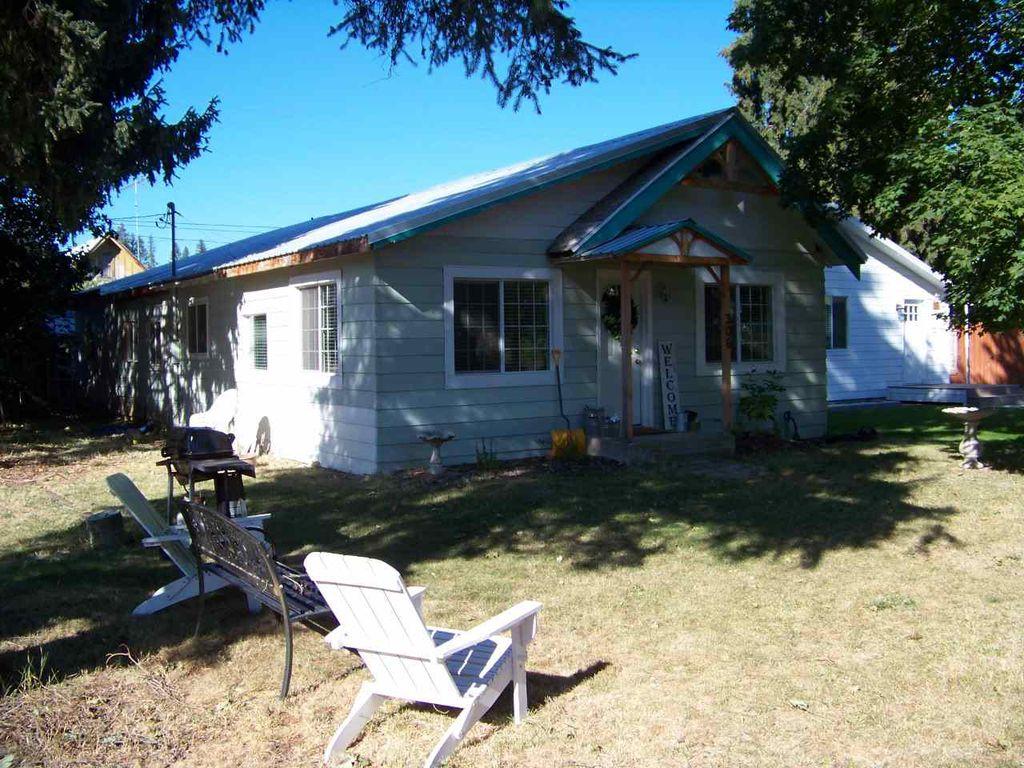 306 W Blackwell St, Ione, WA 99139