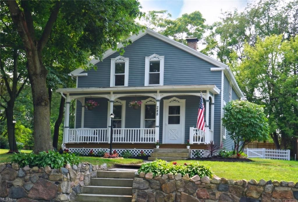 248 N Main St, Amherst, OH 44001