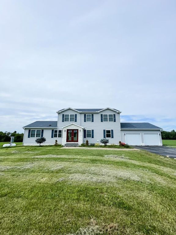 77 Junction Rd, Malone, NY 12953