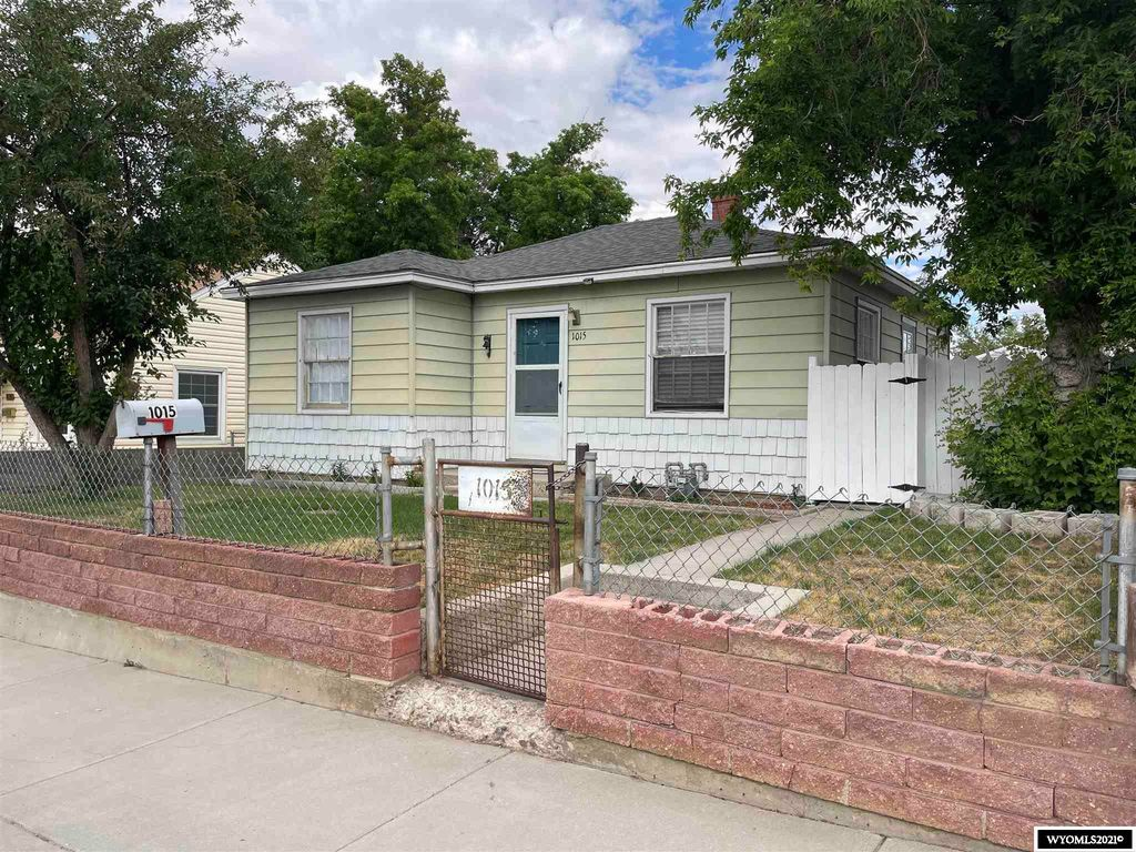 1015 Adams Ave, Rock Springs, WY 82901