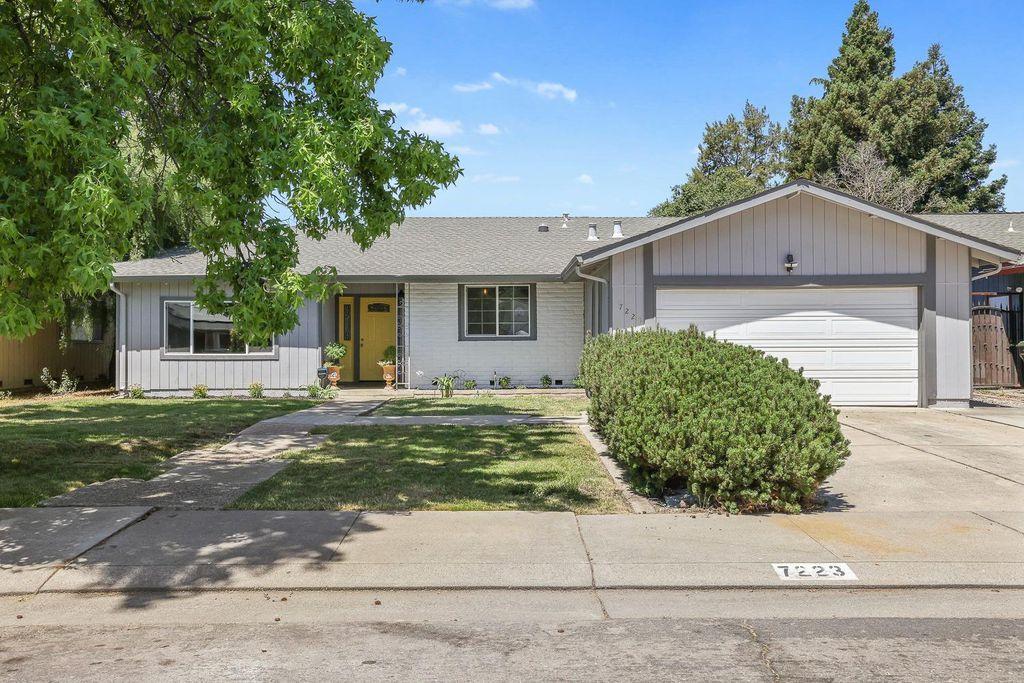 7223 Trousdale Pl, Stockton, CA 95207