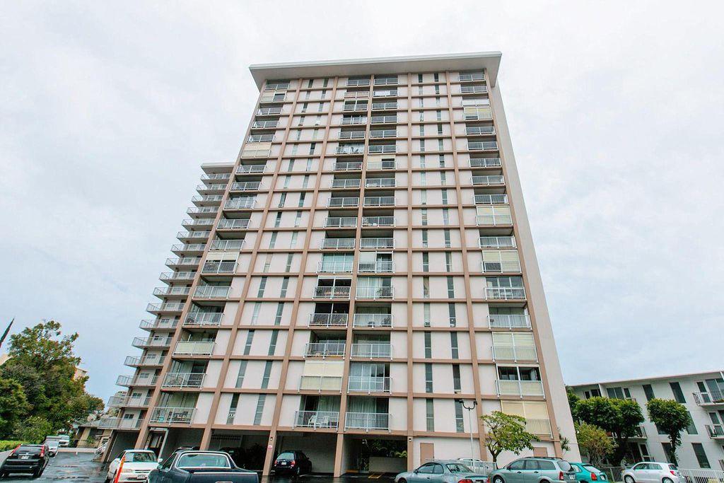 1617 Keeaumoku St #1202, Honolulu, HI 96822
