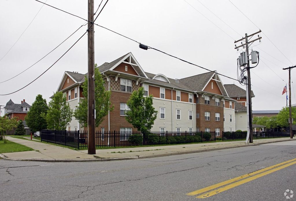 7050 Broadway Ave, Cleveland, OH 44105