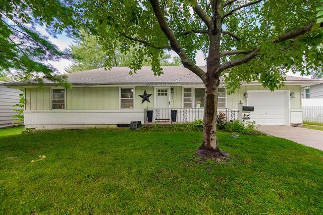 406 NE Florence Ave, Lees Summit, MO 64063