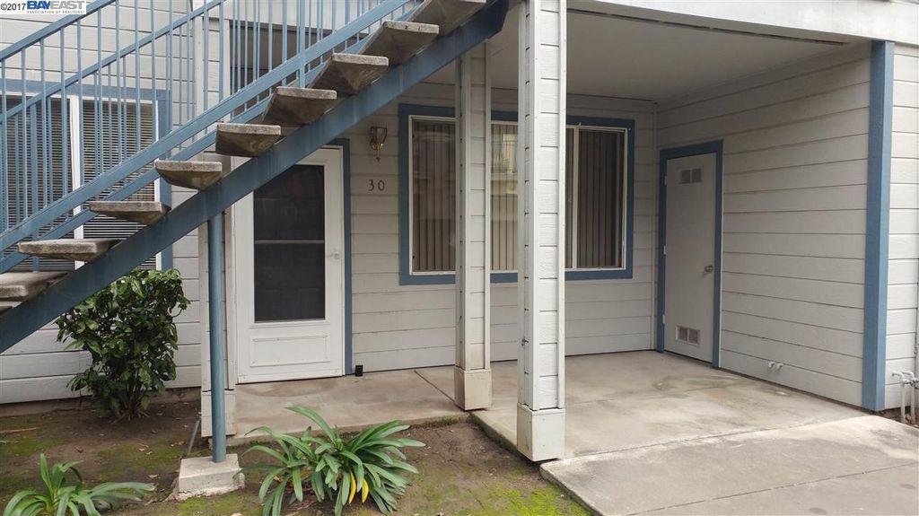 30 Leighty Ct, Hayward, CA 94541