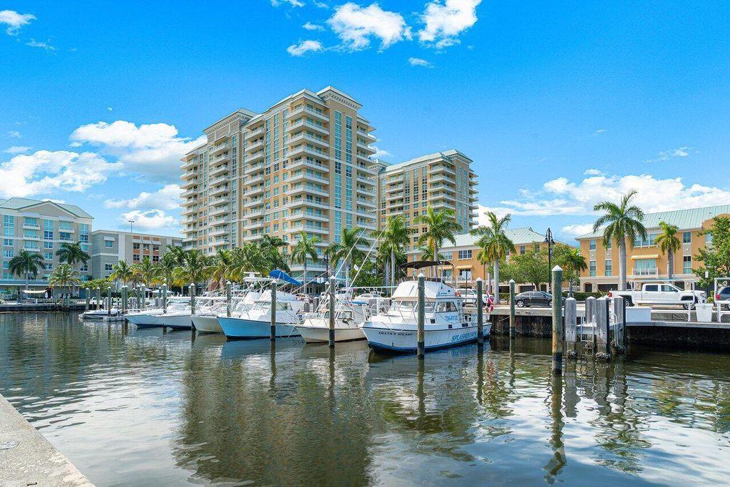 625 Casa Loma Blvd #407, Boynton Beach, FL 33435