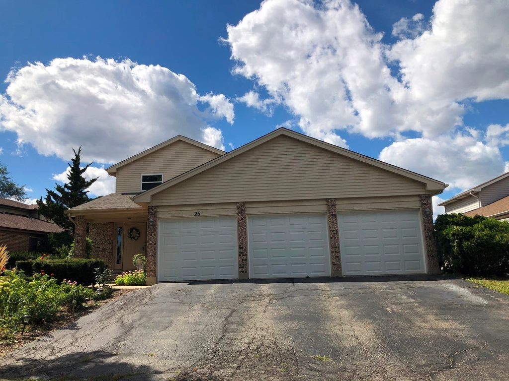 26 Terry Dr #C, Roselle, IL 60172