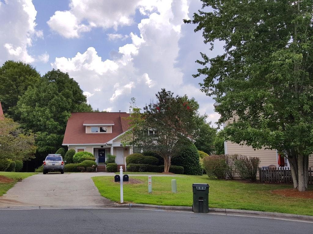 102 Duncan Ct #B, Chapel Hill, NC 27514