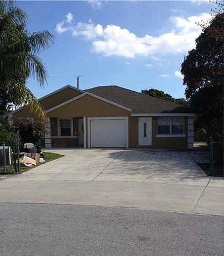 432 NE 15th Ct, Boynton Beach, FL 33435