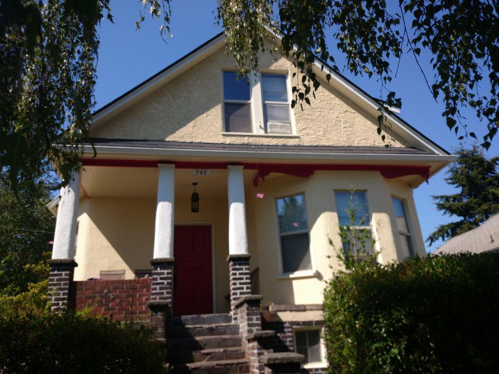 940 NW 54th St, Seattle, WA 98107