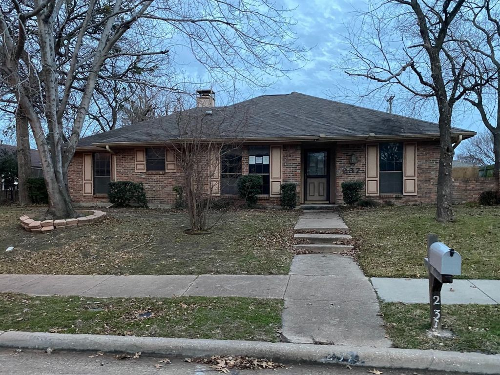 237 Simmons Dr, Coppell, TX 75019
