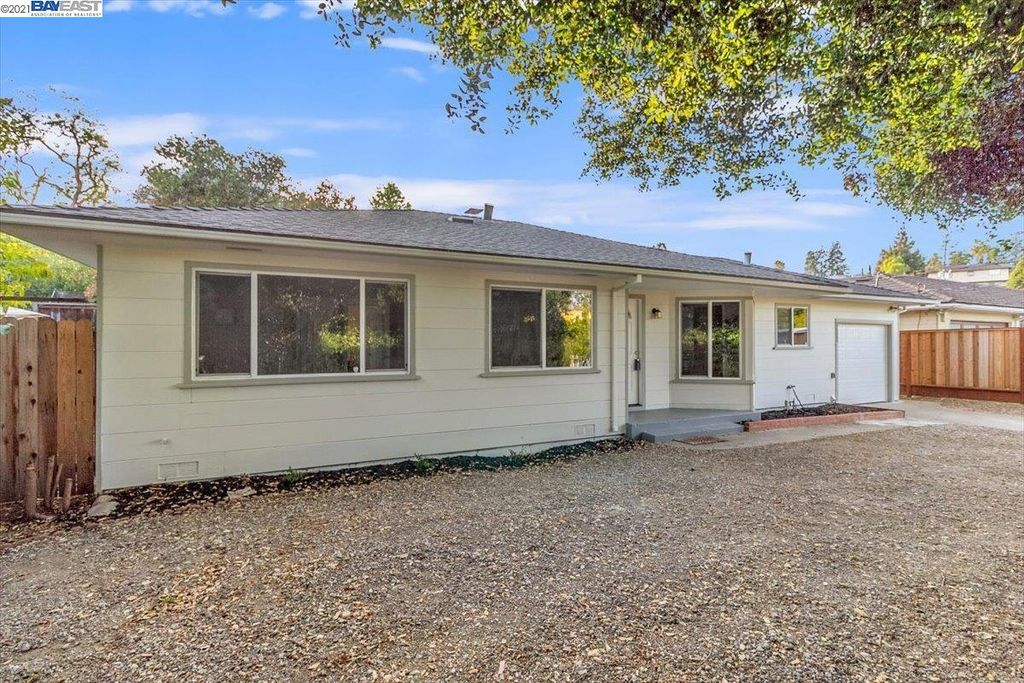 19535 Lake Chabot Rd, Castro Valley, CA 94546