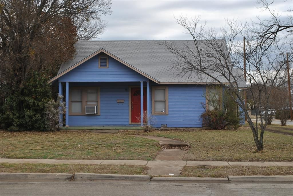 2622 Vincent St, Brownwood, TX 76801