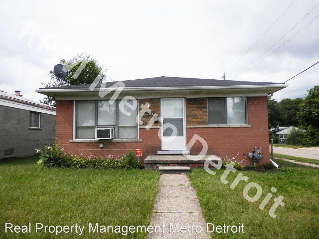 20255 Griggs Ave, Detroit, MI 48221