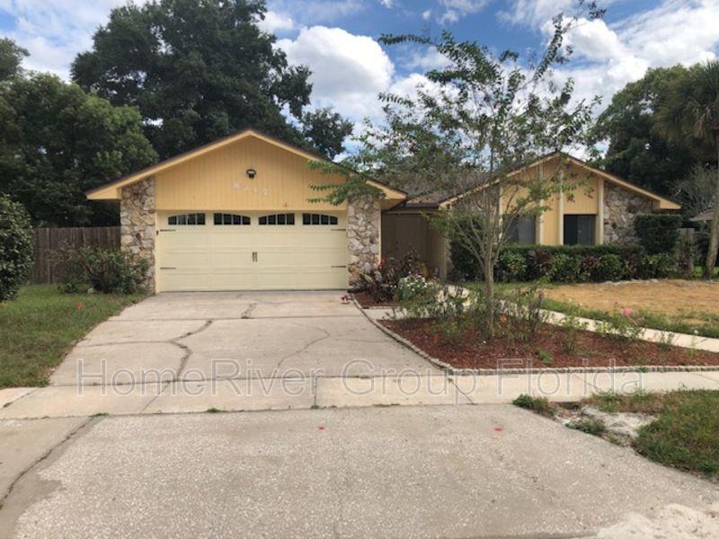 8217 Camphor Tree Dr, Orlando, FL 32810