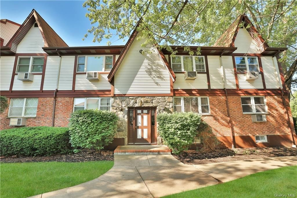 21 Somerset Dr #12N, Suffern, NY 10901