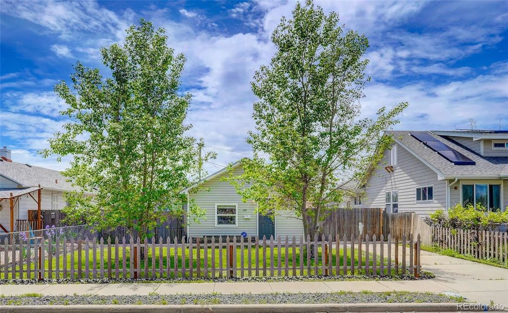 124 4th St, Fort Lupton, CO 80621