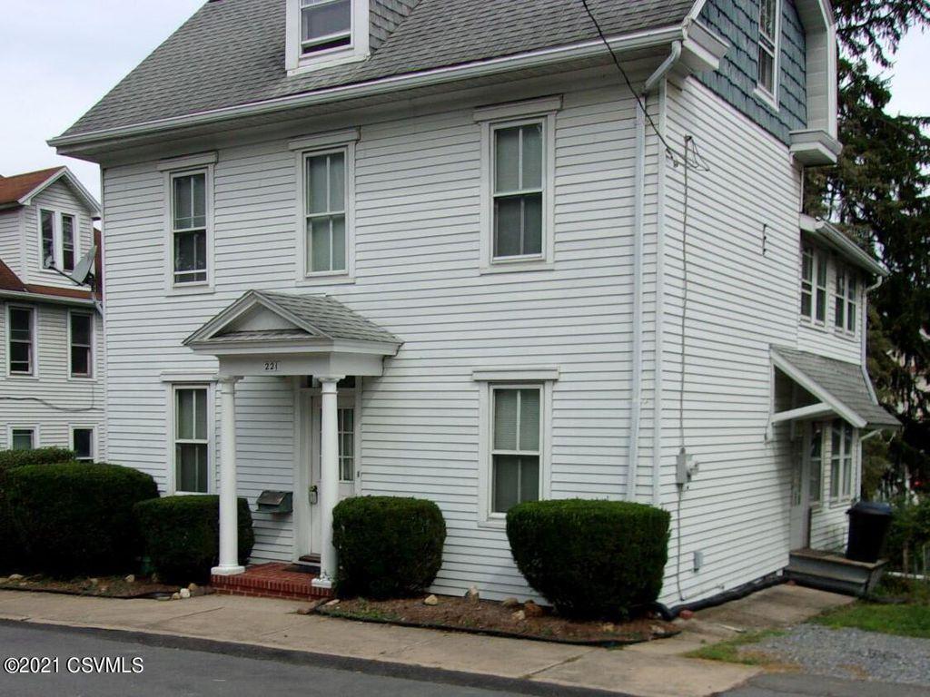 221 Walnut St, Milton, PA 17847