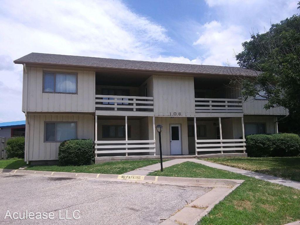 108 E Cherry Hills Ct #108D, Hesston, KS 67062