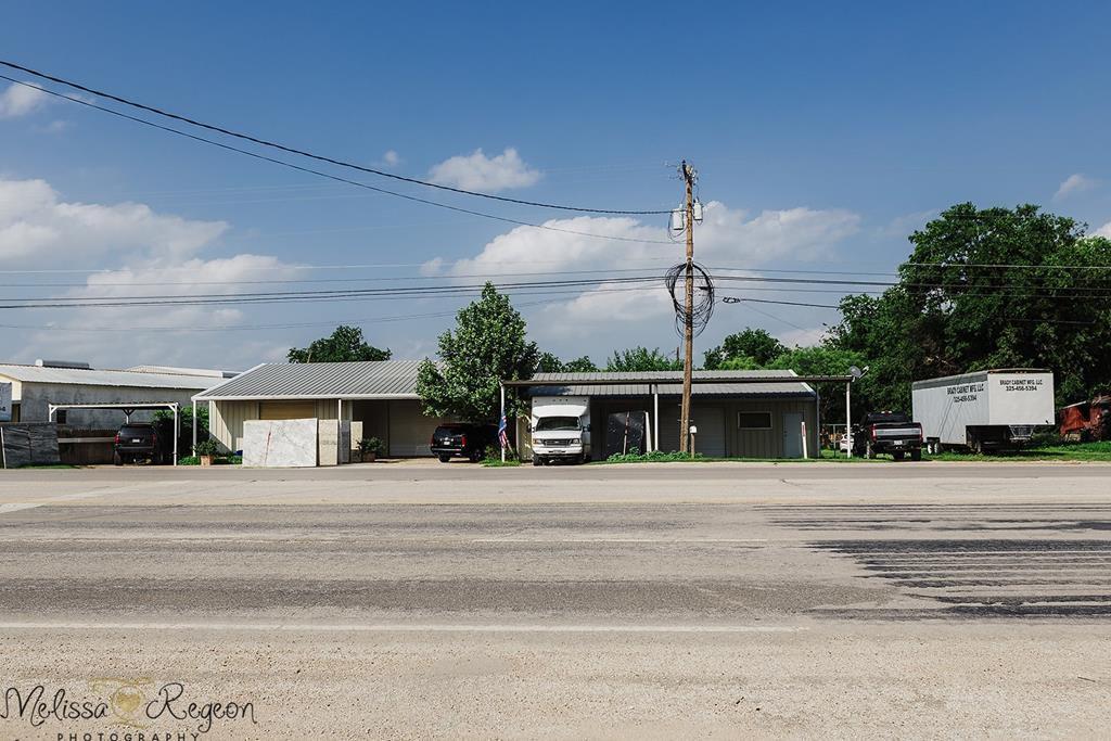 704 San Angelo Hwy, Brady, TX 76825