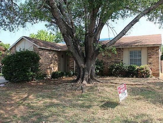 3808 Longmeadow Way, Fort Worth, TX 76133