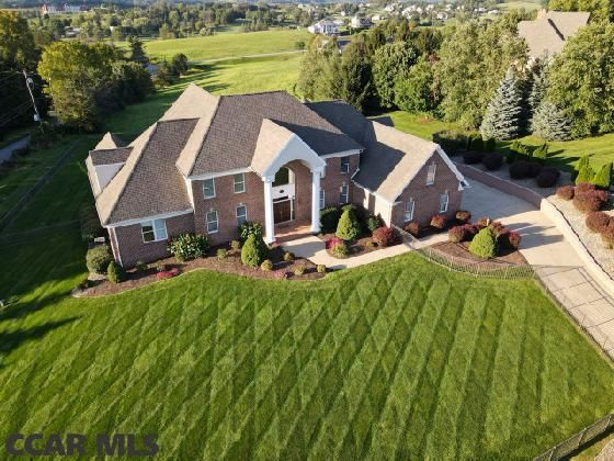 191 Mount Pleasant Dr, Boalsburg, PA 16827
