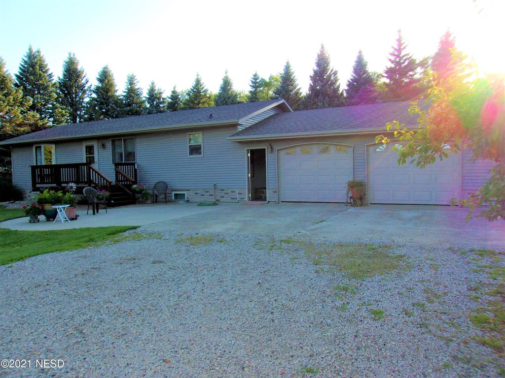 15967 450th Ave, Florence, SD 57235