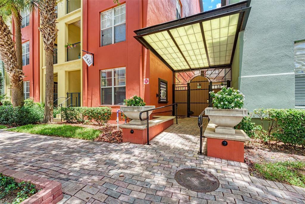 2421 W Horatio St #824, Tampa, FL 33609