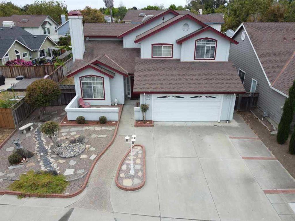 909 Lexington Dr, Salinas, CA 93906