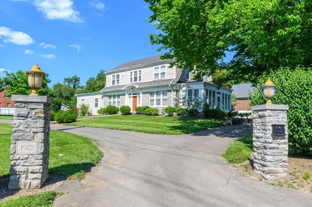 1922 Nicholasville Rd, Lexington, KY 40503