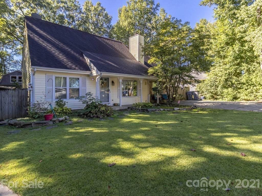 9222 Idlewild Rd, Charlotte, NC 28227